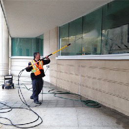 Pressure Washing in walkerville