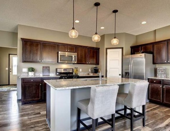 FLOORING, COUNTERTOPS & CABINET INSTALLERS IN BELLE ISLE, FLORIDA